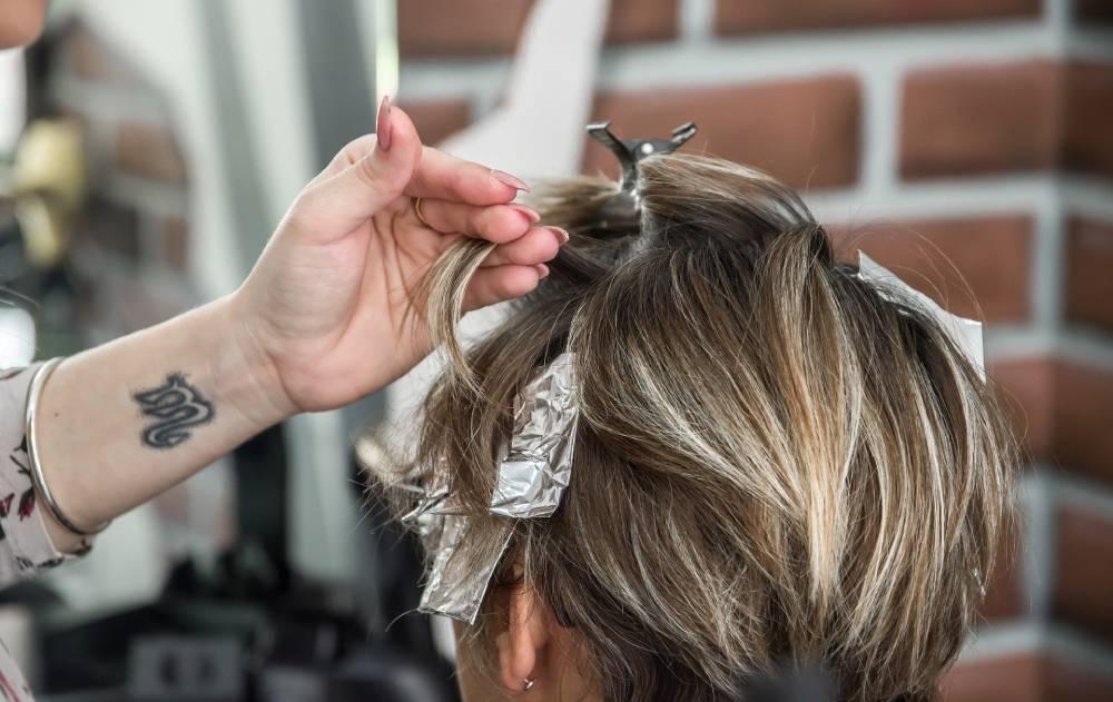 barvení vlasů a pomalý růst