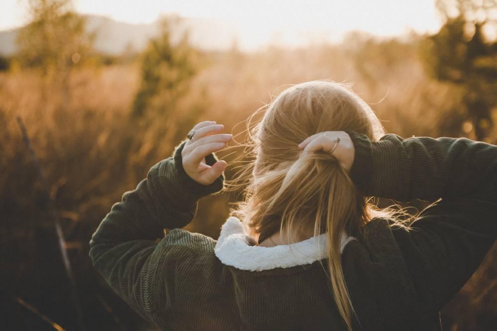 příčiny pomalého růstu vlasů