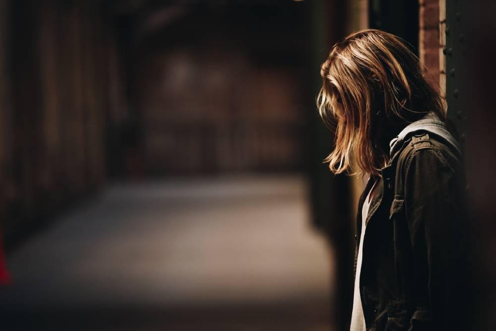 příčiny lámání vlasů