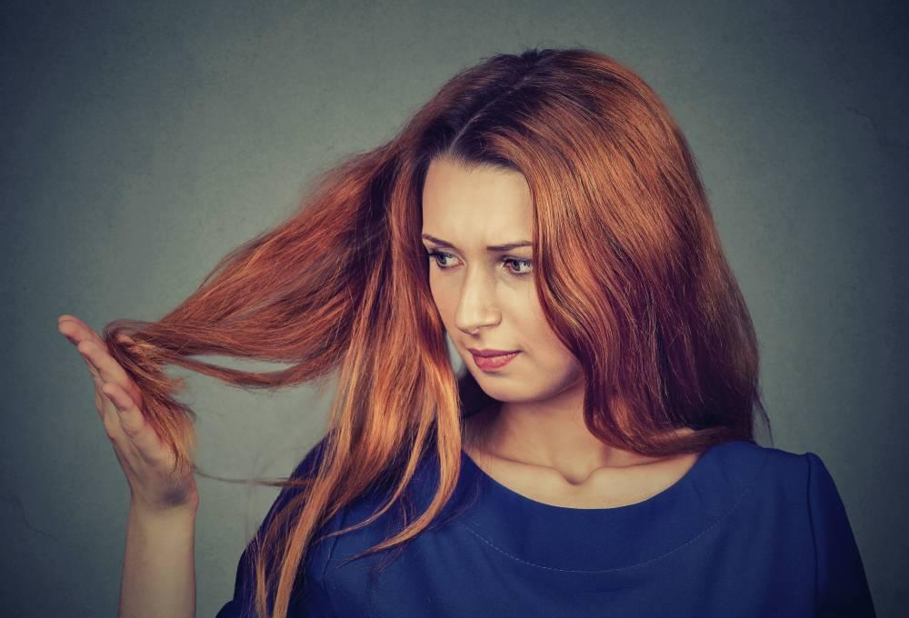 jak na roztřepené konečky vlasů